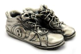16 Bulk Pewter Paper Weight Shaped As A Pair Of Tennis Shoes With The Oklahoma University Symbol